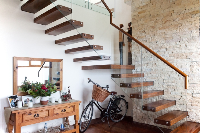 Timber clad cantilevered steel staircase