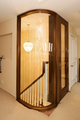 Walnut internal door and curved screen