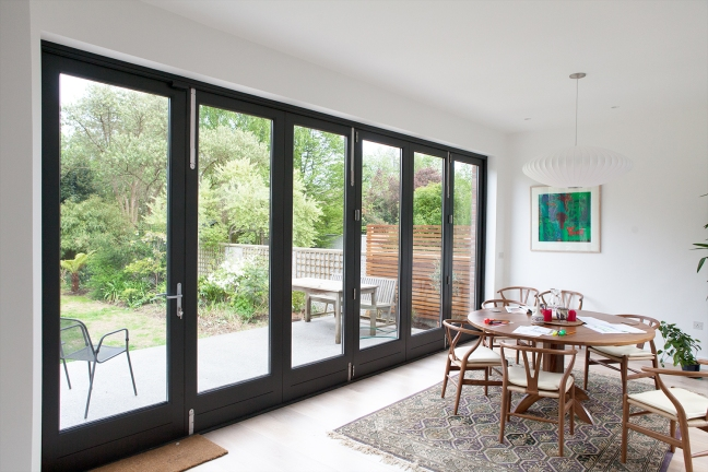Six leaf bi-fold door