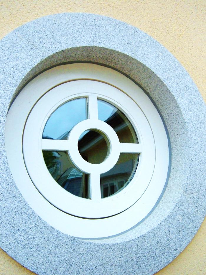 K'Club circular window
