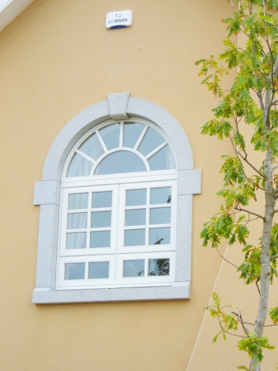 K'Club arched window