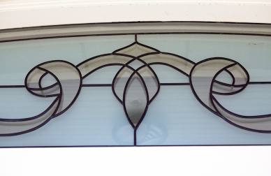 Leaded sandblasted glass for arched fanlight